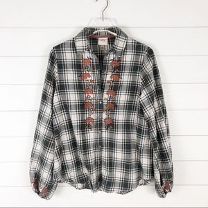 Knox Rose Bohemian Plaid Floral Embroidery Top